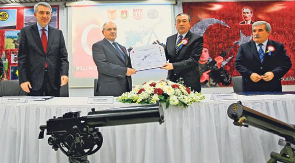 Milli Makineli Tüfek İçin İmzalar Atıldı