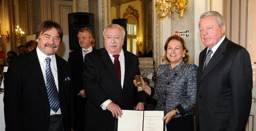 Güler Sabancı'ya Avusturya'dan Ödül