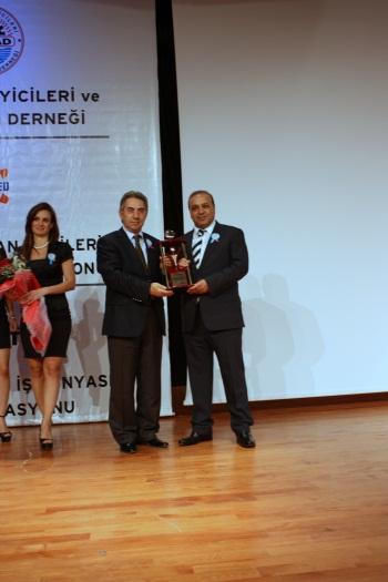 Mesiad'dan Mahfuz Okalin'e Yılın Girişimci İş Adamı Ödülü Verildi